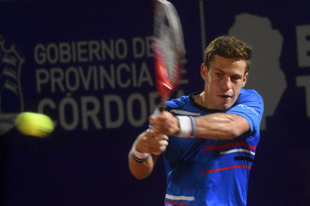 Schwartzman sobrevive susto en debut en Córdoba