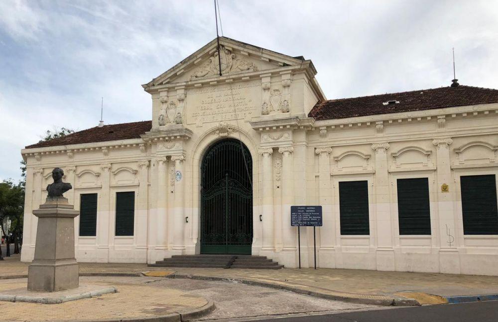 Origenes Del Colegio Nacional El Primer Secundario De La Provincia