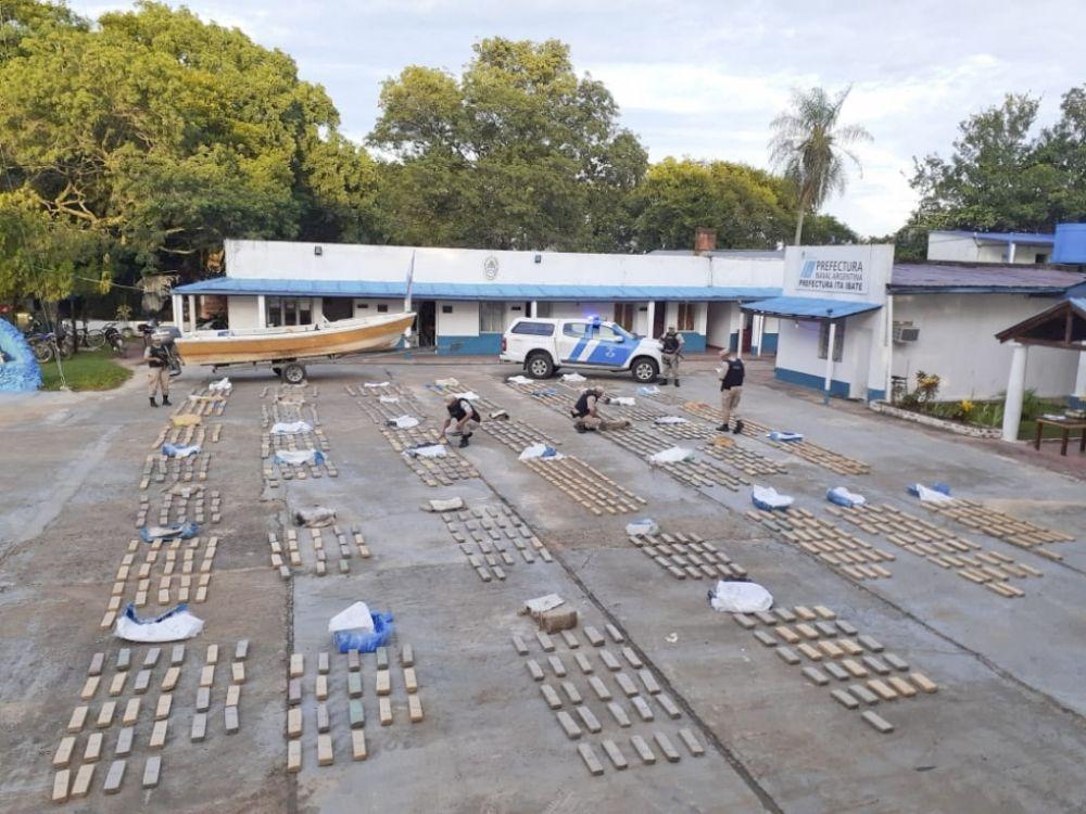 Resultado de imagen para Prefectura Naval Argentina, Ita Ibaté, secuestro