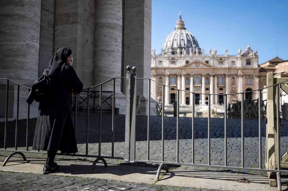 Sacerdote que vive en residencia del Papa Francisco, da positivo a coronavirus